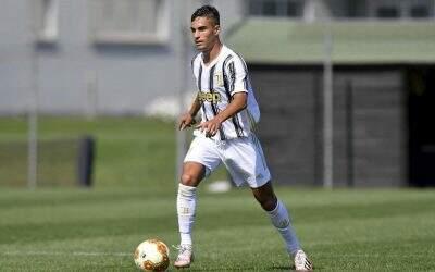Titular em vitória na primeira partida de 2021, Lucas Rosa projeta sequência na Juventus Sub-23